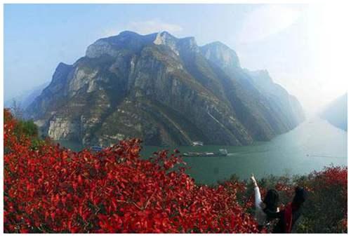 描写三峡的秋景的句子