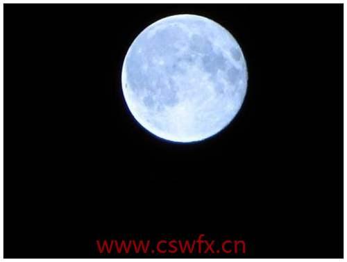 描写月亮的优雅的句子