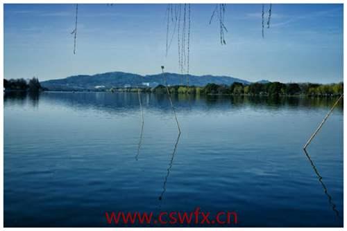 描写初春西湖的山水的句子 句子大全 第2张