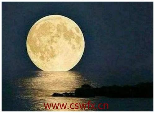 描写晚上月亮的句子 句子大全 第2张